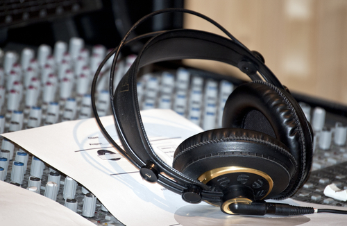 Home Studio Recording Tips From a Pro Music Producer