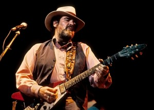 Lonnie Mack with his Flying V