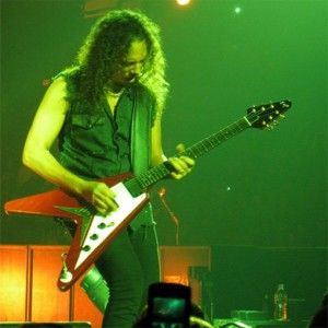 kirk hammett with a flying v