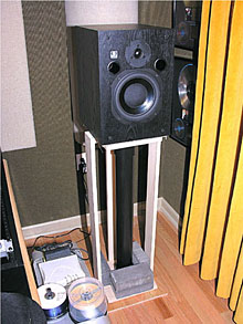 Homemade Speaker Stands For Any Home Studio Disc Makers Blog