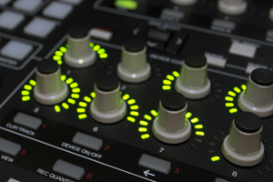 Using a MIDI Controller in Your Home Studio -Disc Makers