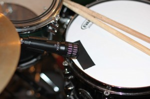 recording a snare drum with a close mic